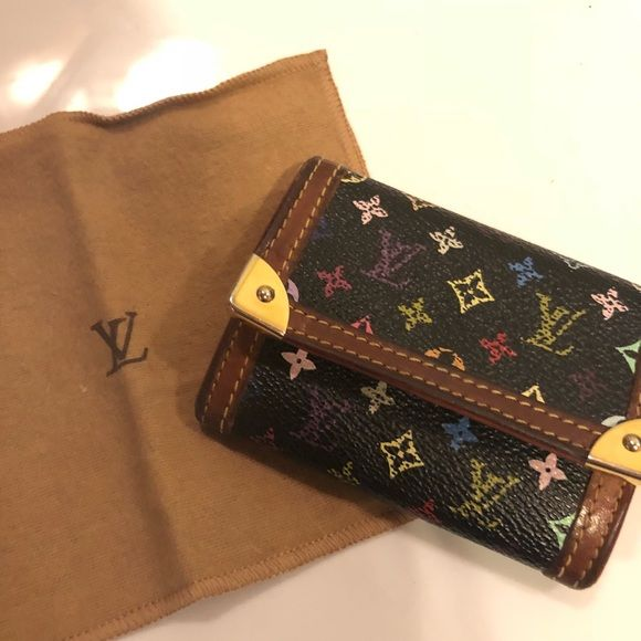 27624393a0e3 Authentic Louis Vuitton monogram card holder case Purchased from tradesy  (authenticity guaranteed)