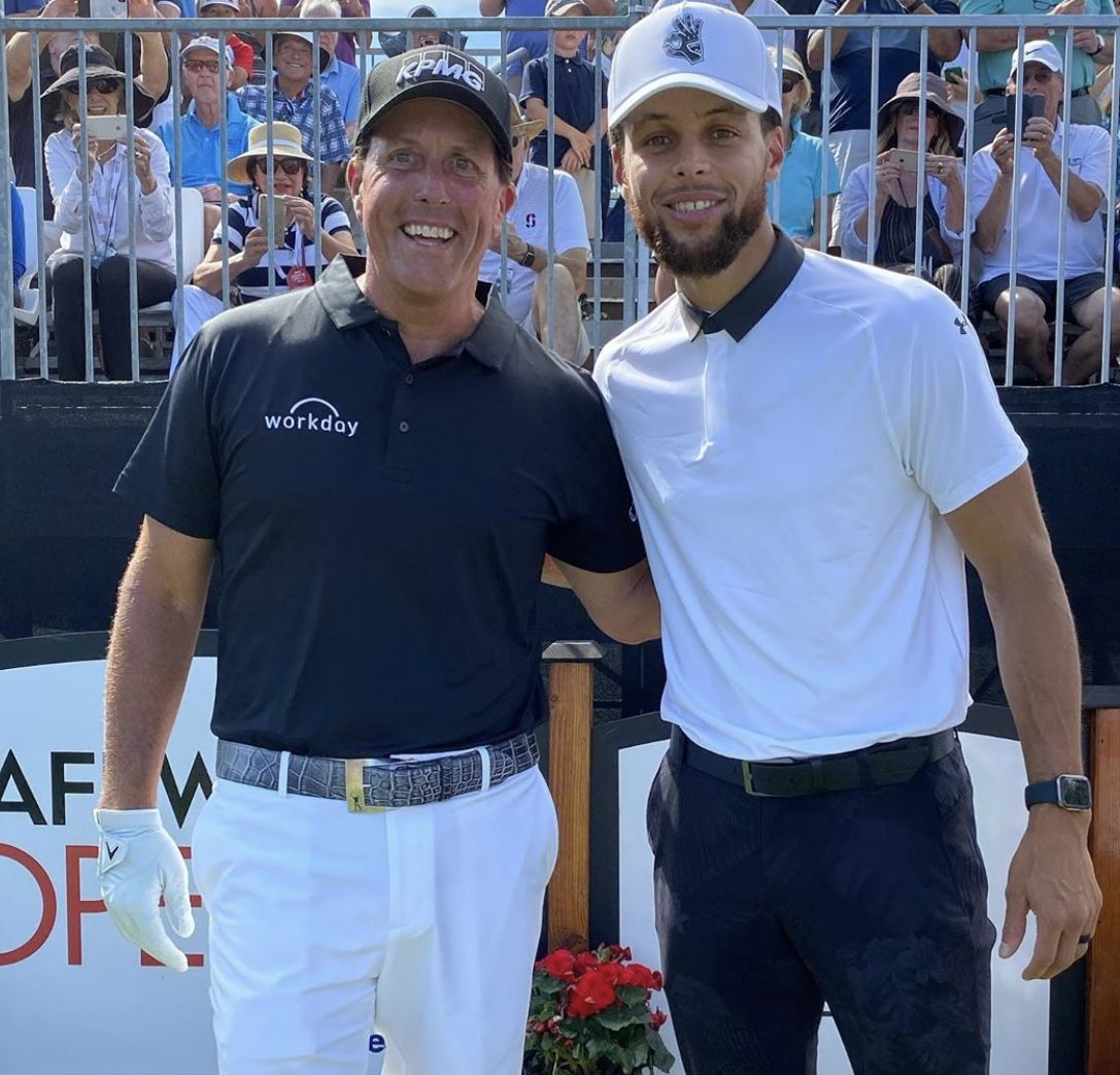 Stephen Curry Phil Mickelson Tee It Up In Napa 9 26 19 Stephencurry And Phil Mickelson Live In Parallel Worlds Different Sports Phil Mickelson Fun Learning