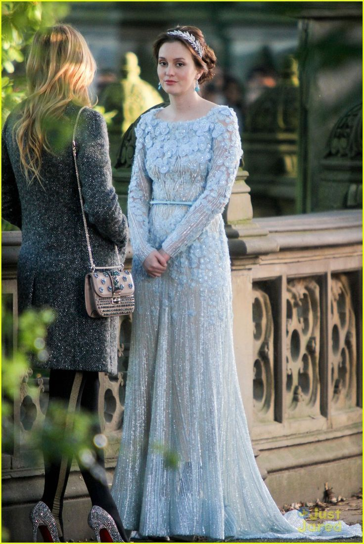 Non Traditional Colored Gown Blair Waldorf In Gossip Girl Unconventional But Gorgeous Baby Blue Beaded Elie Gossip Girl Wedding Fashion Gossip Girl Fashion