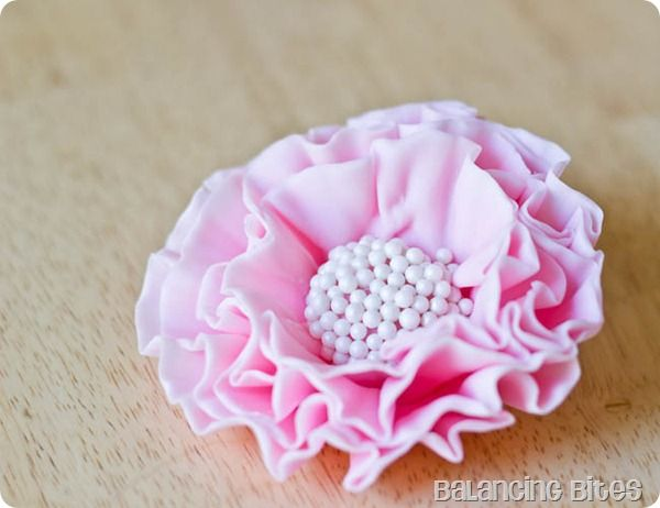 how to make gumpaste flowers