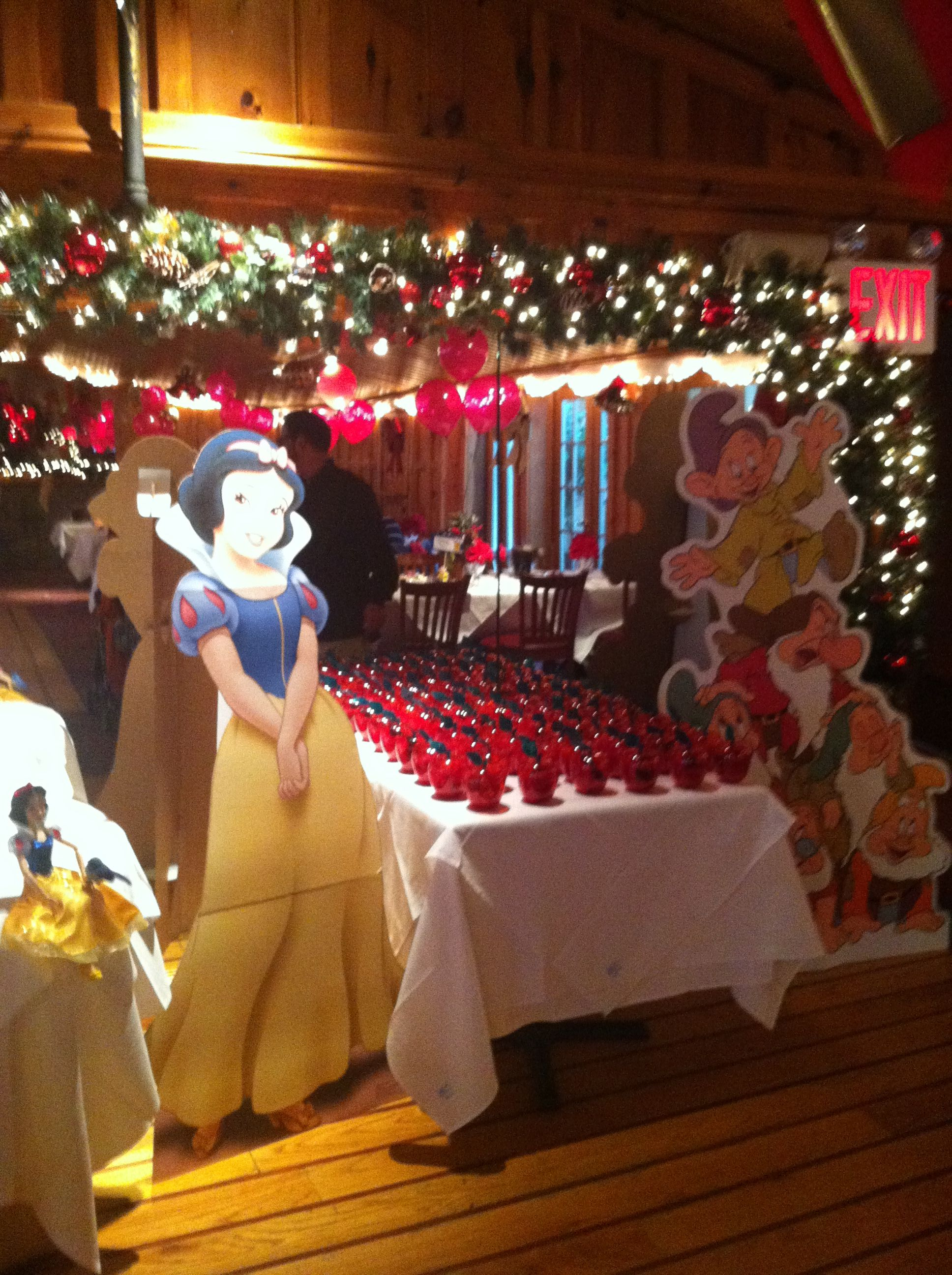 Snow White Baby Shower Theme Baby Shower Party Themes Bee Baby