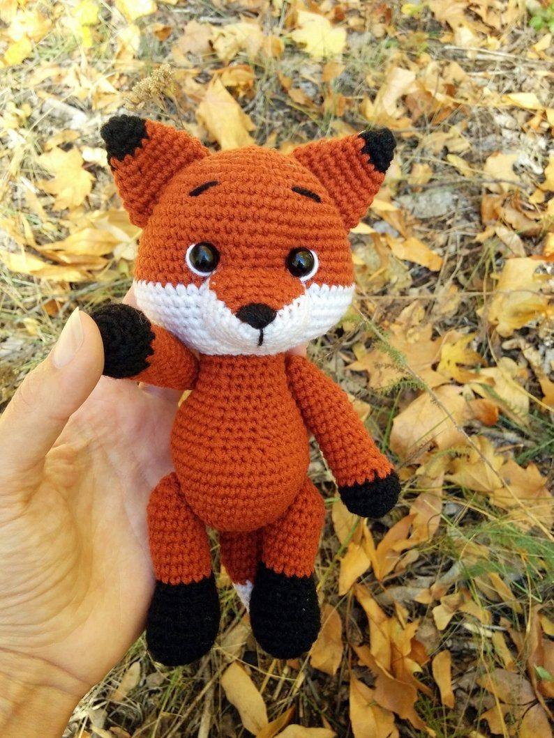 12+ Free Crochet Doll Clothes Patterns | FaveCrafts.com | 1059x794