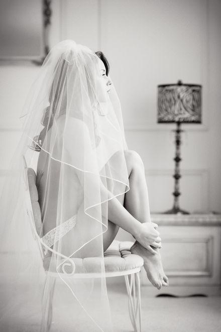 20 Tasteful + Classy Bridal Boudoir Photos | @Devin Hunt Hunt Hunt