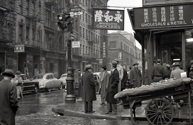 Daily life in New York, 1950's. Photographed by Frank Oscar Larson.