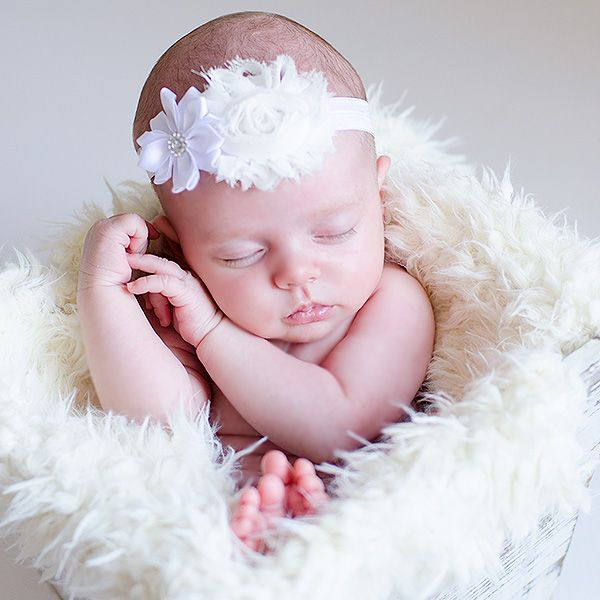Diademas para bebes. Diadema flores niña. Sesión de fotos Bautizo.  www.elreciennacido.com b4a7aefcdecf