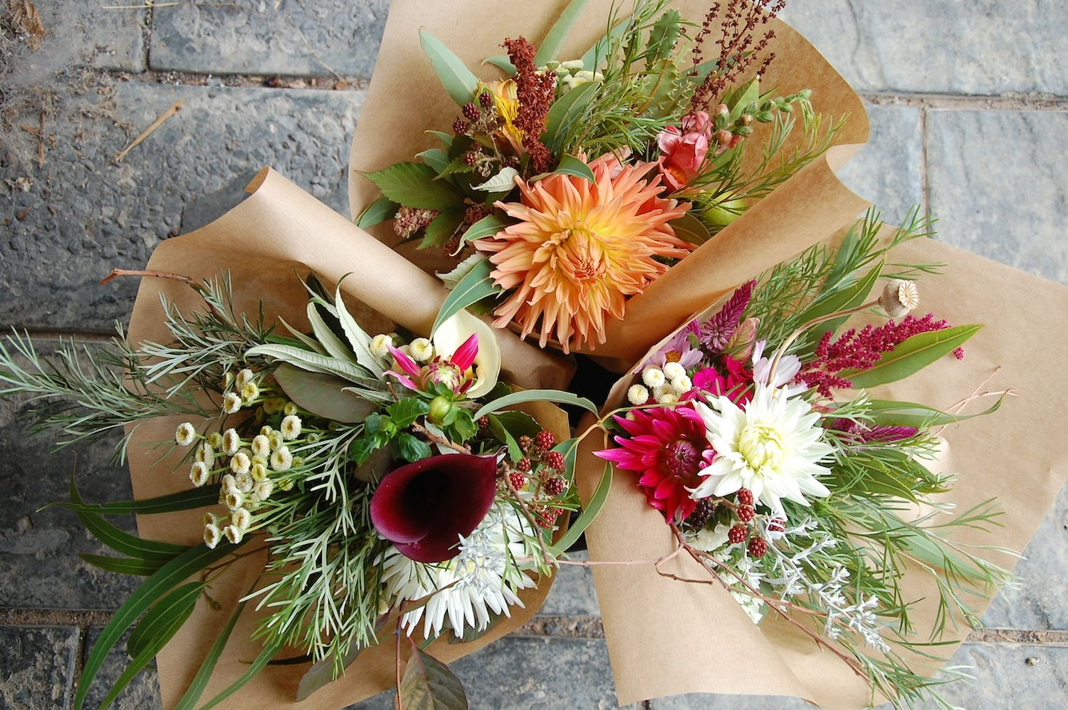 rustic market bunches with dahlias