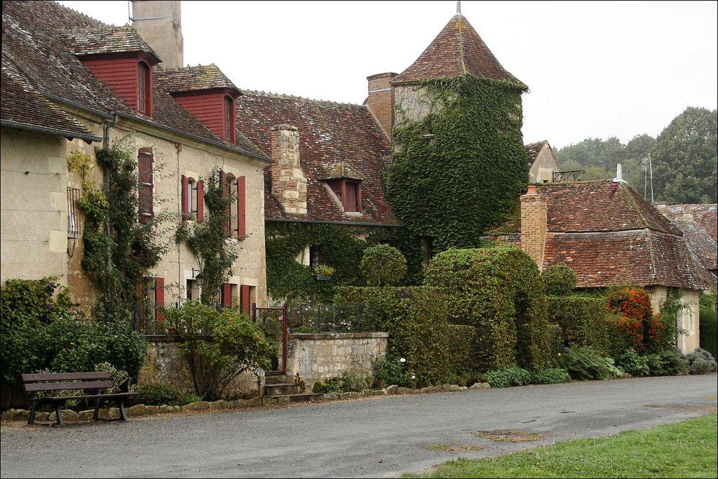 Apremont-sur-Allier   Village médiéval   France