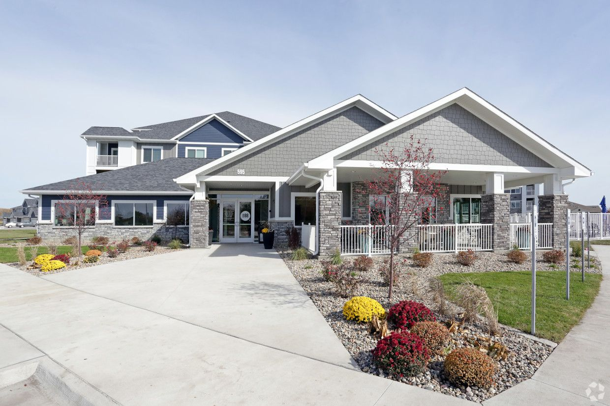 Incredible apartment and townhome community in an ...