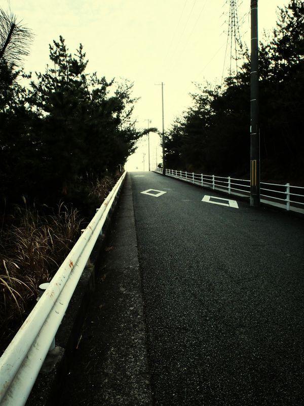 #street #SkyandClouds #streetphotography in Kobe, Japan, March 2, 2014 by kawayen