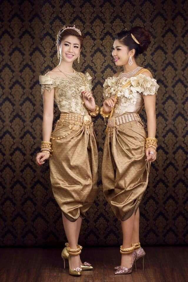 Pin von Wonderful amazing photos. auf B-Cambodia Wedding Dress ...