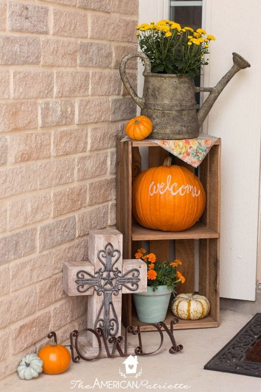Ideas for Decorating a Small Front Porch for Fall #smallporchdecorating Ideas for Decorating a Small Front Porch for Fall #fallfrontporchdecor