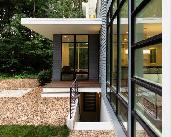 Best Modern Riverside House With Black And White Interior 400 x 300