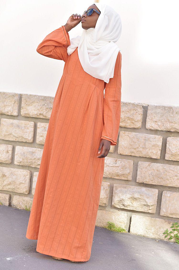 708a992af12 ROBE LONGUE ABAYA SANAA Ramadan 2017 lookbook grande Mosquée de Paris -  vestiaire de la femme musulmane  longues robes abaya