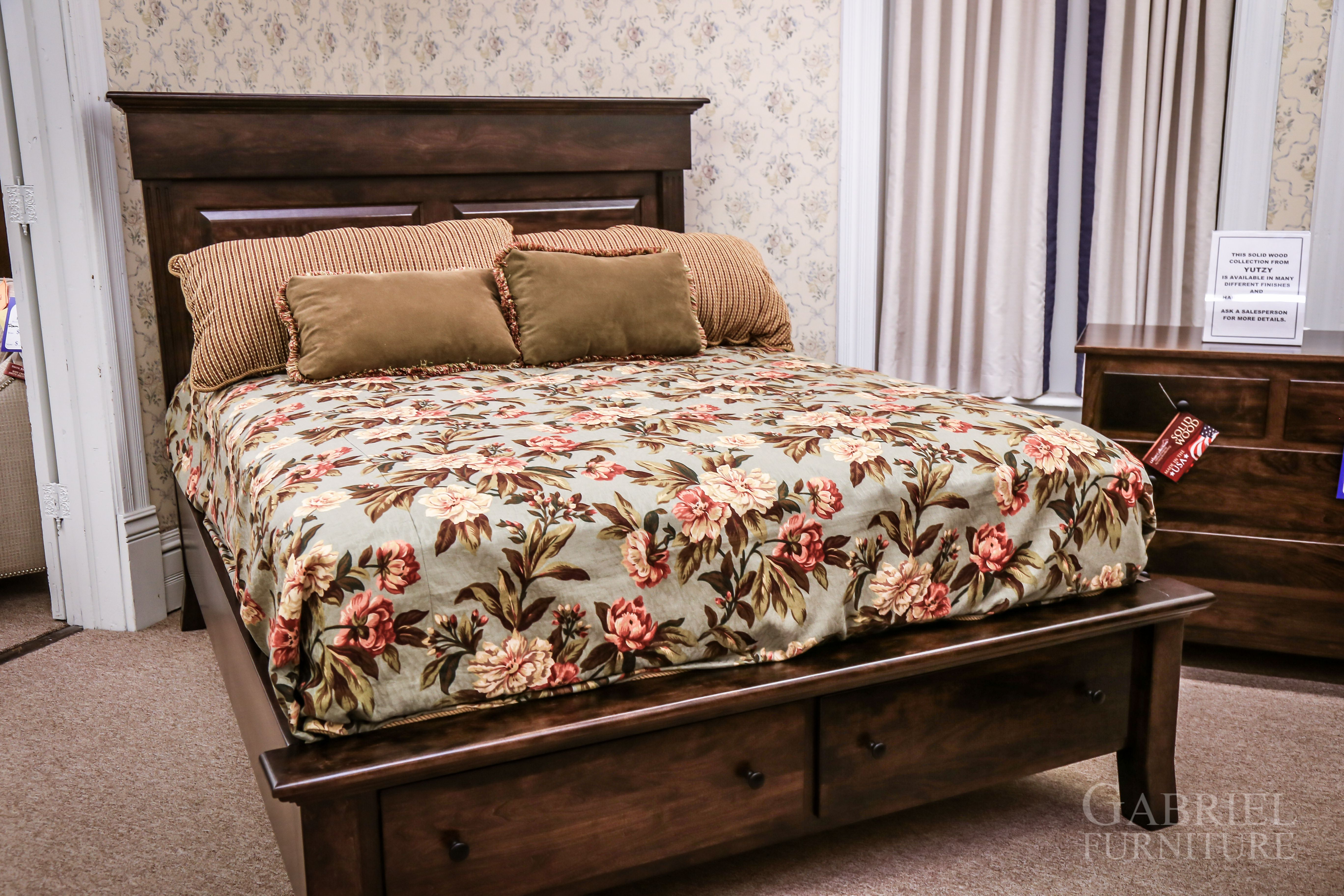 How Would You Like To Have This Beautiful New Amish Made Bedroom Set In Your Home Furniture Amishsale Sale Gabriels Furniture Furniture Store Bedroom Set