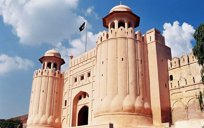 The Lahore Fort Pakistan Places To Visit Places To Go Historical Place