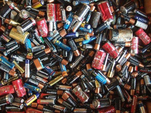 Cómo Reciclar Pilas Elblogverde Com Pilas Y Baterias Reciclar Pilas Como Reciclar