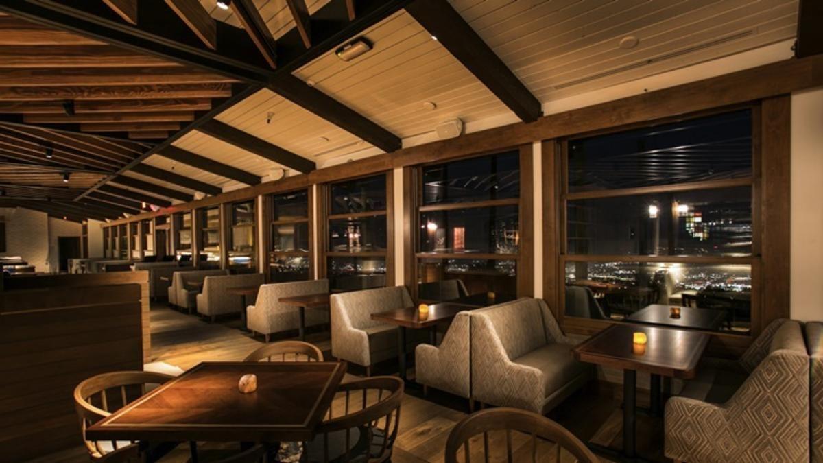 Castaway restaurant sails back into burbank castaway