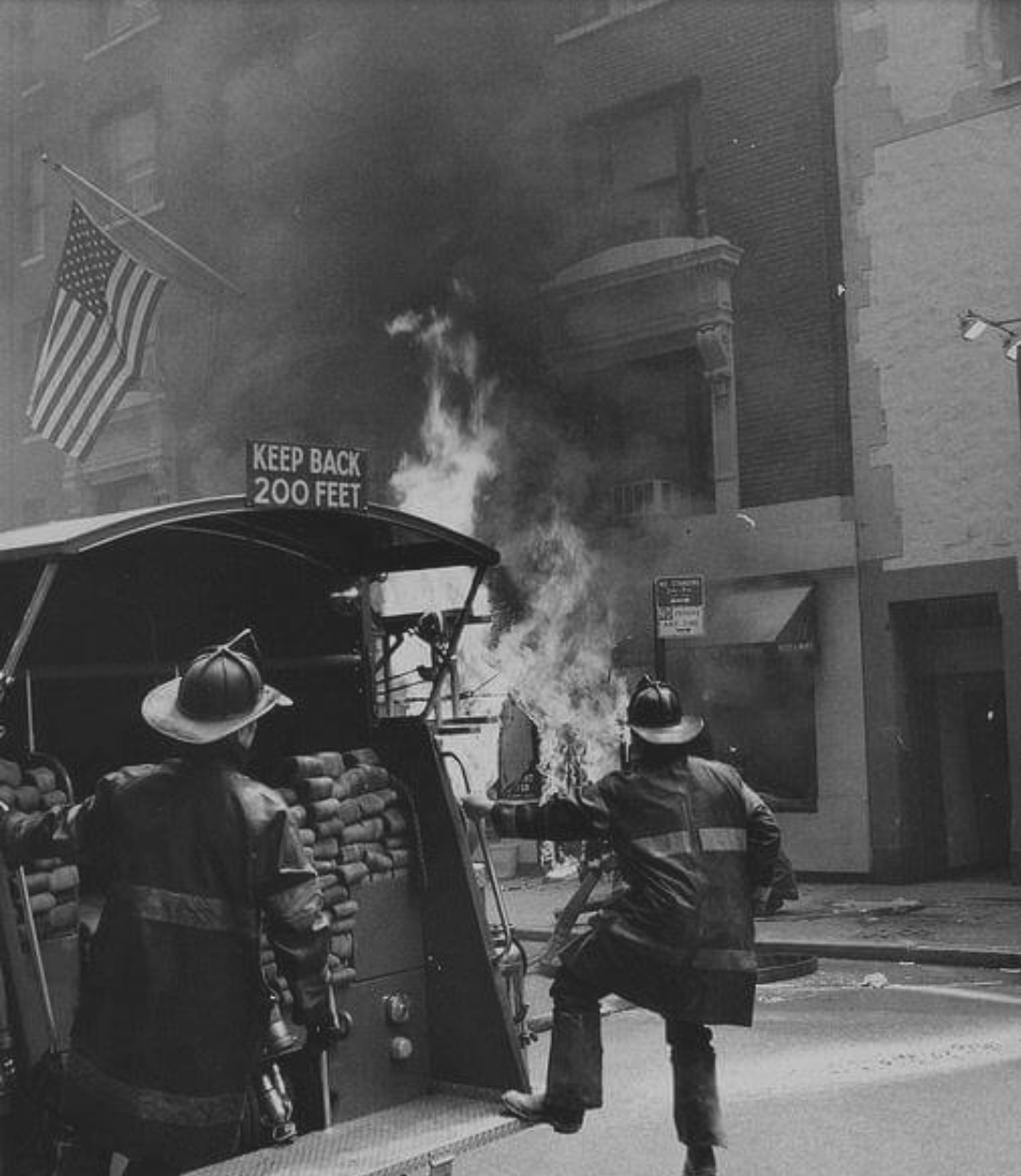 Firefighters In Nyc 1970s Thewaywewere Firefighter