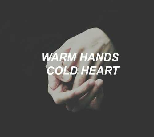 Image via We Heart It #aesthetic #alternative #grunge #indie #pale #pastel #warmhandscoldheart