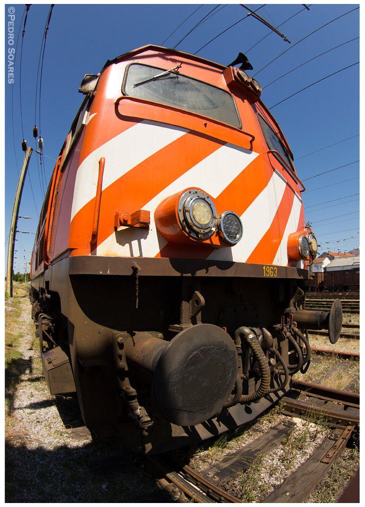https://flic.kr/p/nRpqYj | Devesas 01-06-14 | Locomotiva Diesel nº1963