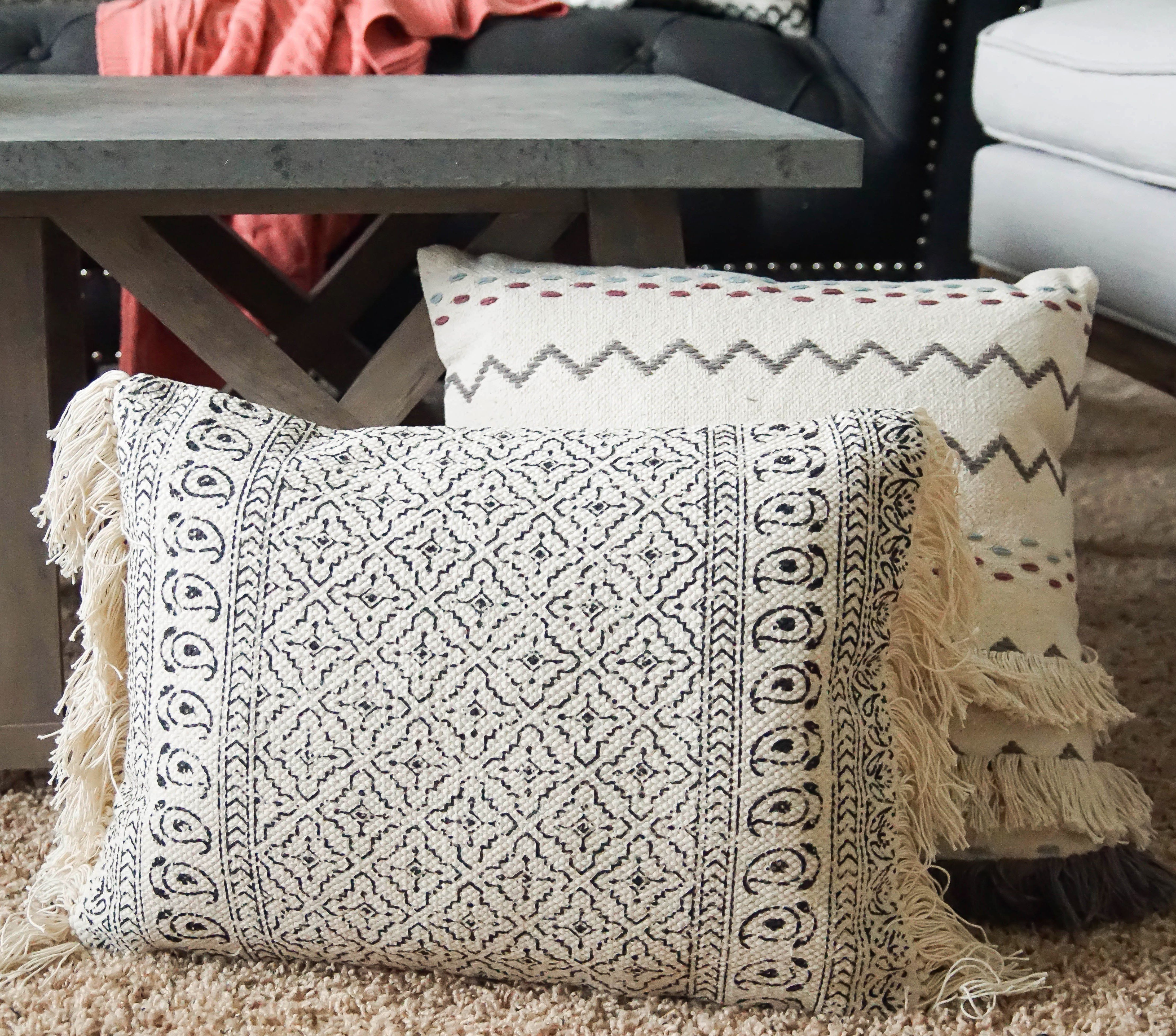 Better Homes Gardens Block Print Decorative Pillow Walmart Com Decorative Pillows Boho Style Pillows White Decorative Pillows