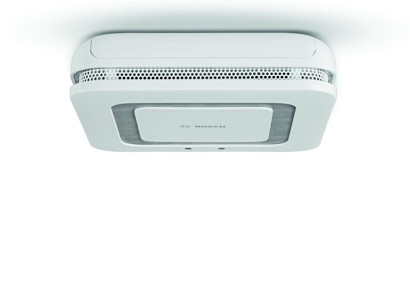 Bosch Smart Home Twinguard Smoke Alarm With Air Sensor Smart Smoke Alarm Protecting Your Home Smoke Alarms