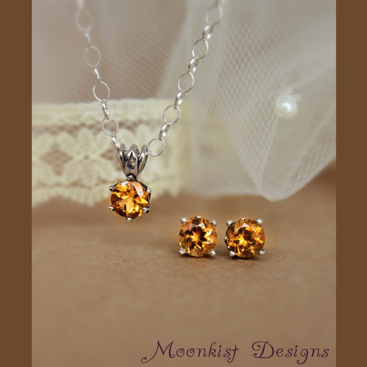 Golden citrine silver filigree stud earring and necklace solitaire
