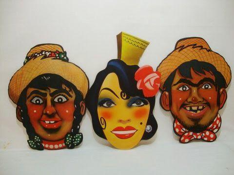 A ingenuidade de outros carnavais. Máscaras de papel para enfeitar bailes de carnaval. Imagens retiradas do site do Brechó Charisma. (www.brechocharisma.com.br)
