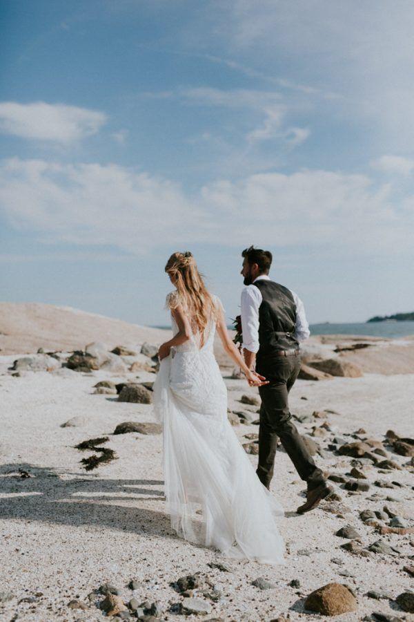 Unique Beach Wedding Destination Blue Hill Bay Maine Image By Emily Delamater Photography