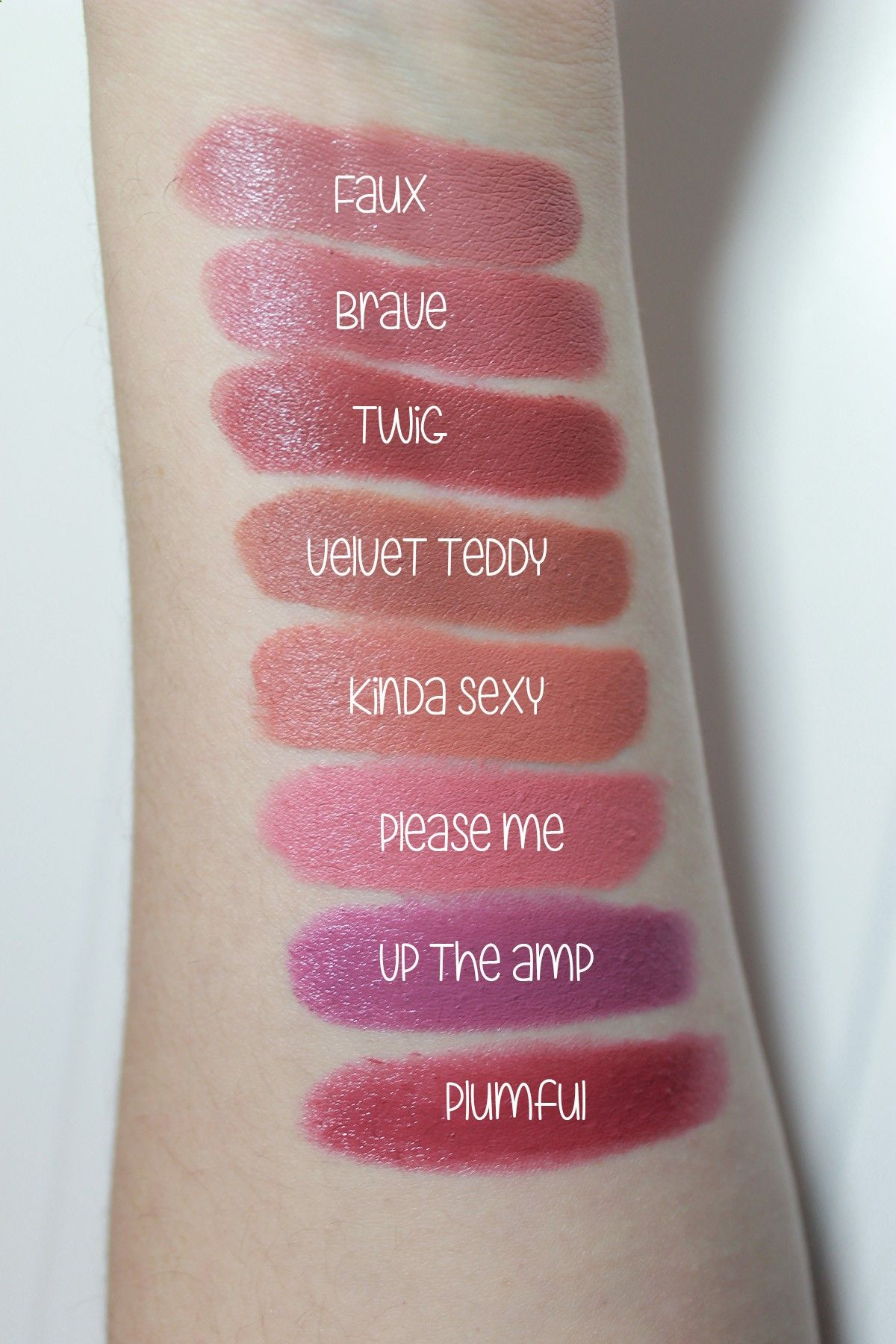 Mac Lipstick in shades : Twig and Please Me