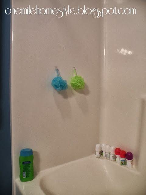 Clear Command Hooks To Organize The Shower Love It Our Apartment