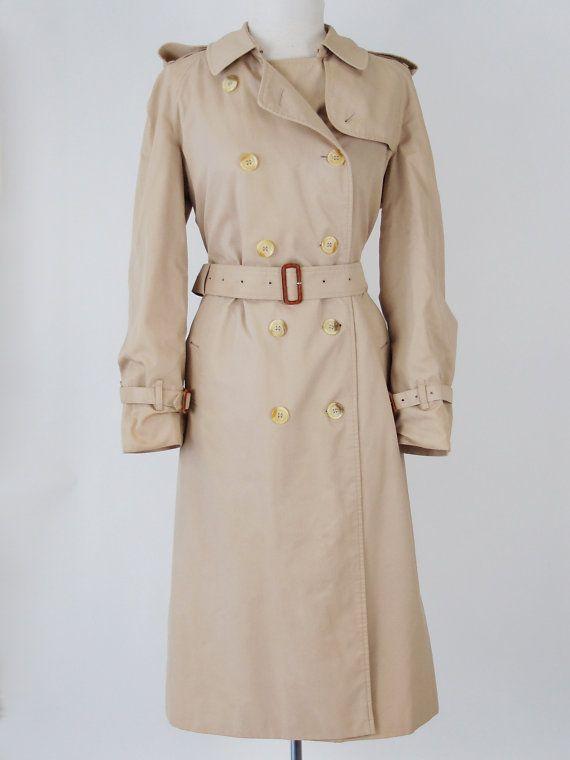 Vintage 1980s beige Burberry trench coat mac by VintageChildShop ...