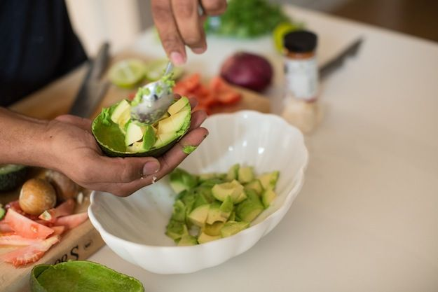 Easy Pineapple, Guacamole Recipe. Get the full recipe on endlesslyelated.com