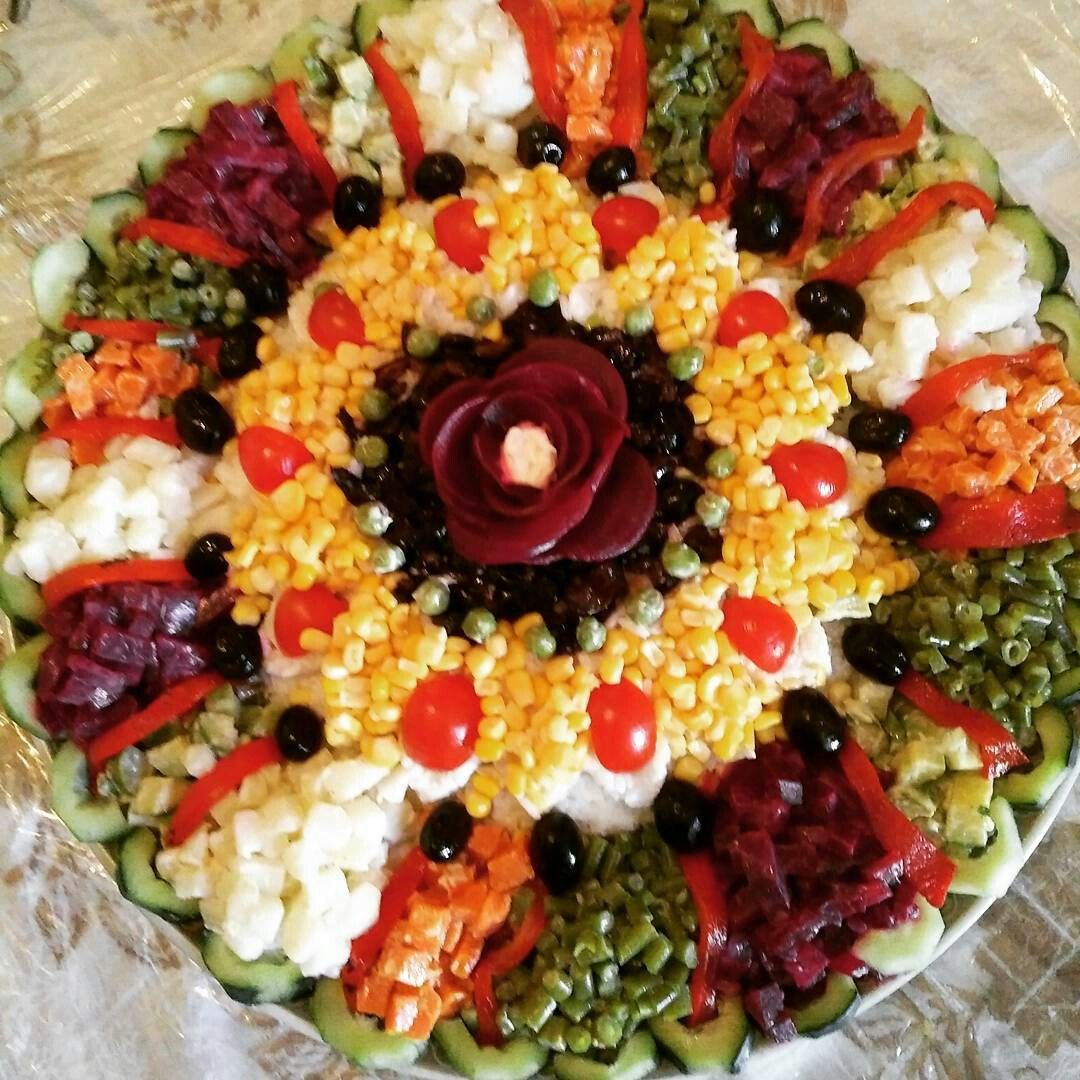 Pingl par wawa sur salade pinterest salades salades for Salade entree originale