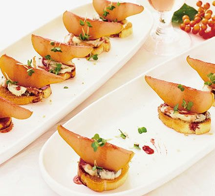 Pear gorgonzola crostini recipe pear vegetarian buffet and finger food recipes forumfinder Image collections