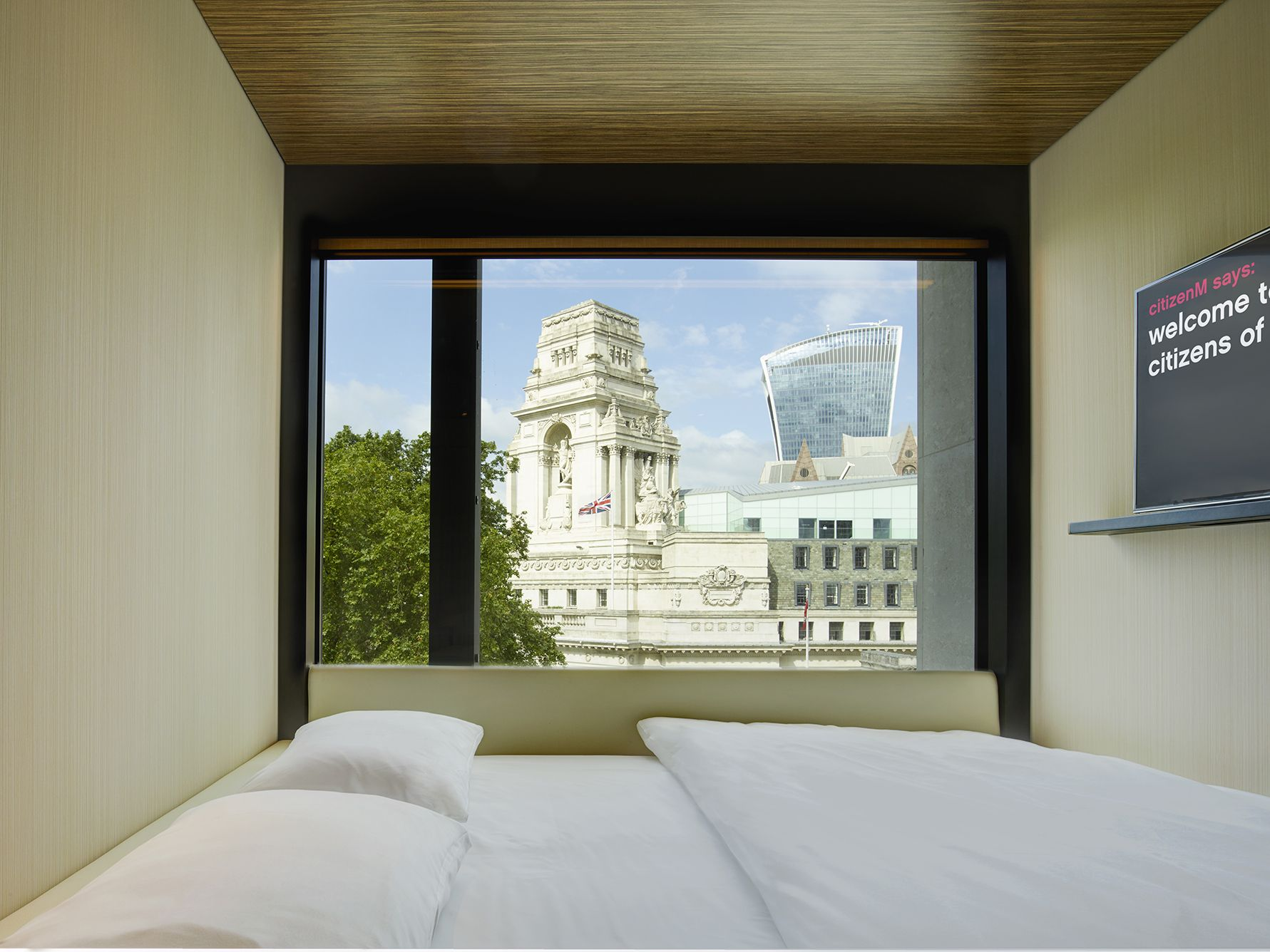 citizenm tower of london bigger taller and with the best views in rh pinterest ch