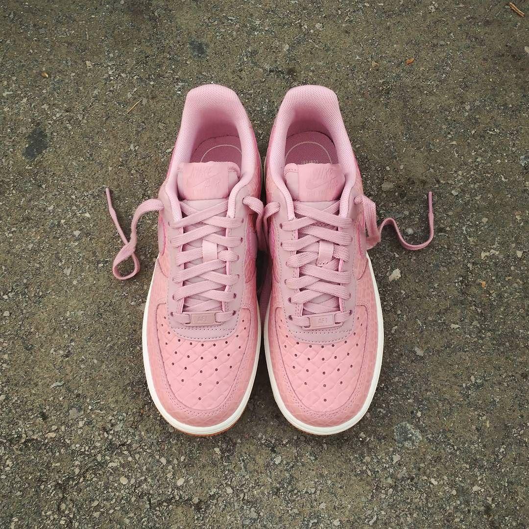"Nike Air Force 1 Low Wmns Premium ""Pink Glaze"" Size Wmns - Price: 110 (Spain Envíos Gratis a Partir de 99) http://ift.tt/1iZuQ2v  #loversneakers#sneakerheads#sneakers#kicks#zapatillas#kicksonfire#kickstagram#sneakerfreaker#nicekicks#thesneakersbox #snkrfrkr#sneakercollector#shoeporn#igsneskercommunity#sneakernews#solecollector#wdywt#womft#sneakeraddict#kotd#smyfh#hypebeast #nikeair#nike #airforce1"