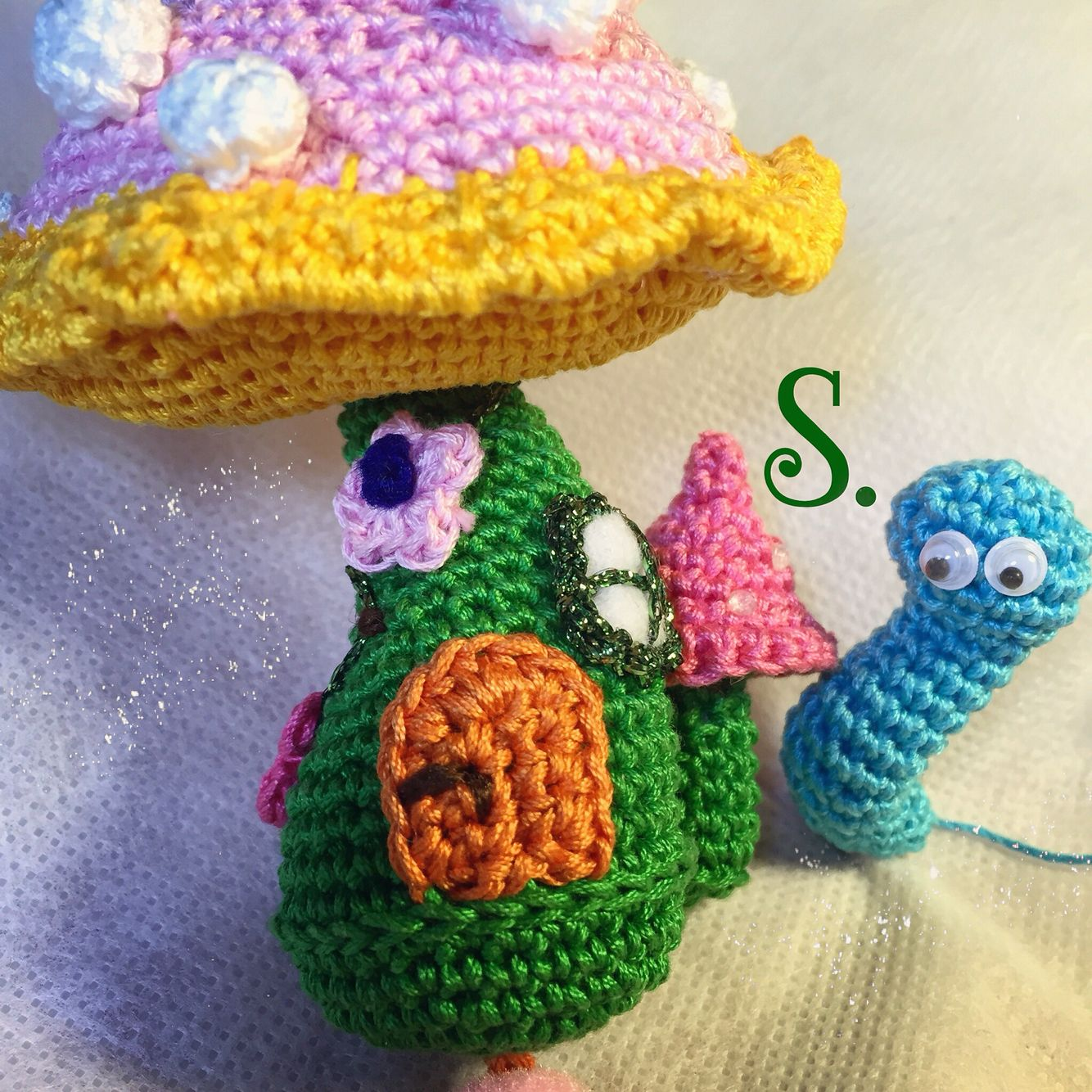 Fairy house mushroom crochet amigurumi.   crochet whimsies   Pinterest