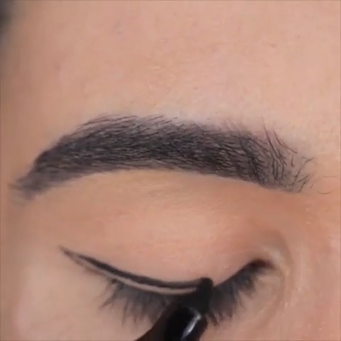 Eyeliner Hacks Tutorial