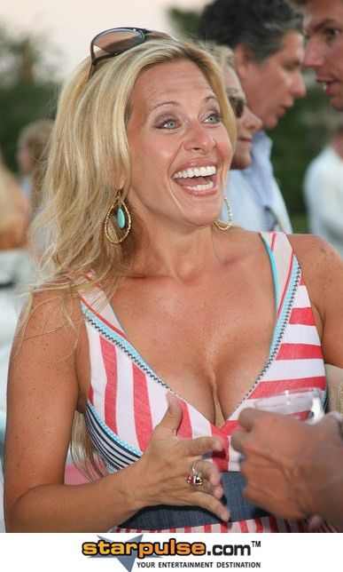 dina manzo naked photos