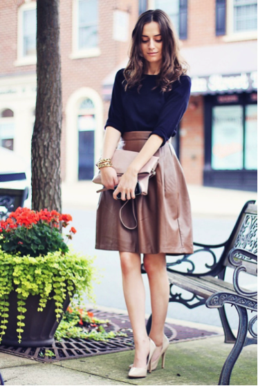 17 Best images about Fashion: Woman on Pinterest | Classic, Skirt ...