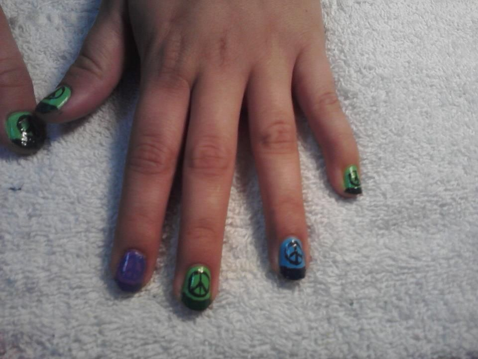 peace sign nails i did on britt. | cosmo | Pinterest | Peace sign nails