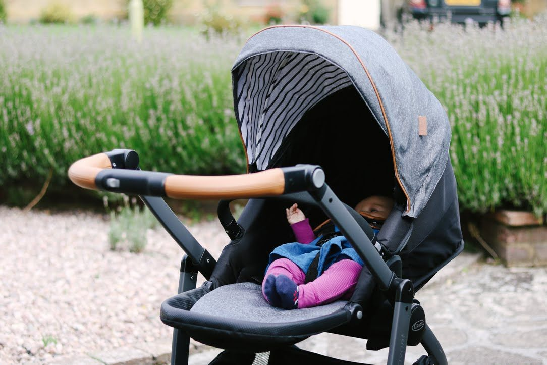 Review: Graco Evo Avant Pushchair & SnugRide i-Size Baby Car Seat ...