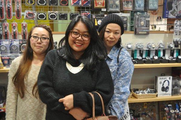 【大阪店】 2014年4月20日 インドネシアからお越しいただいたお客様!千葉ロッテマリーンズの商品をご購入頂きました!#npb