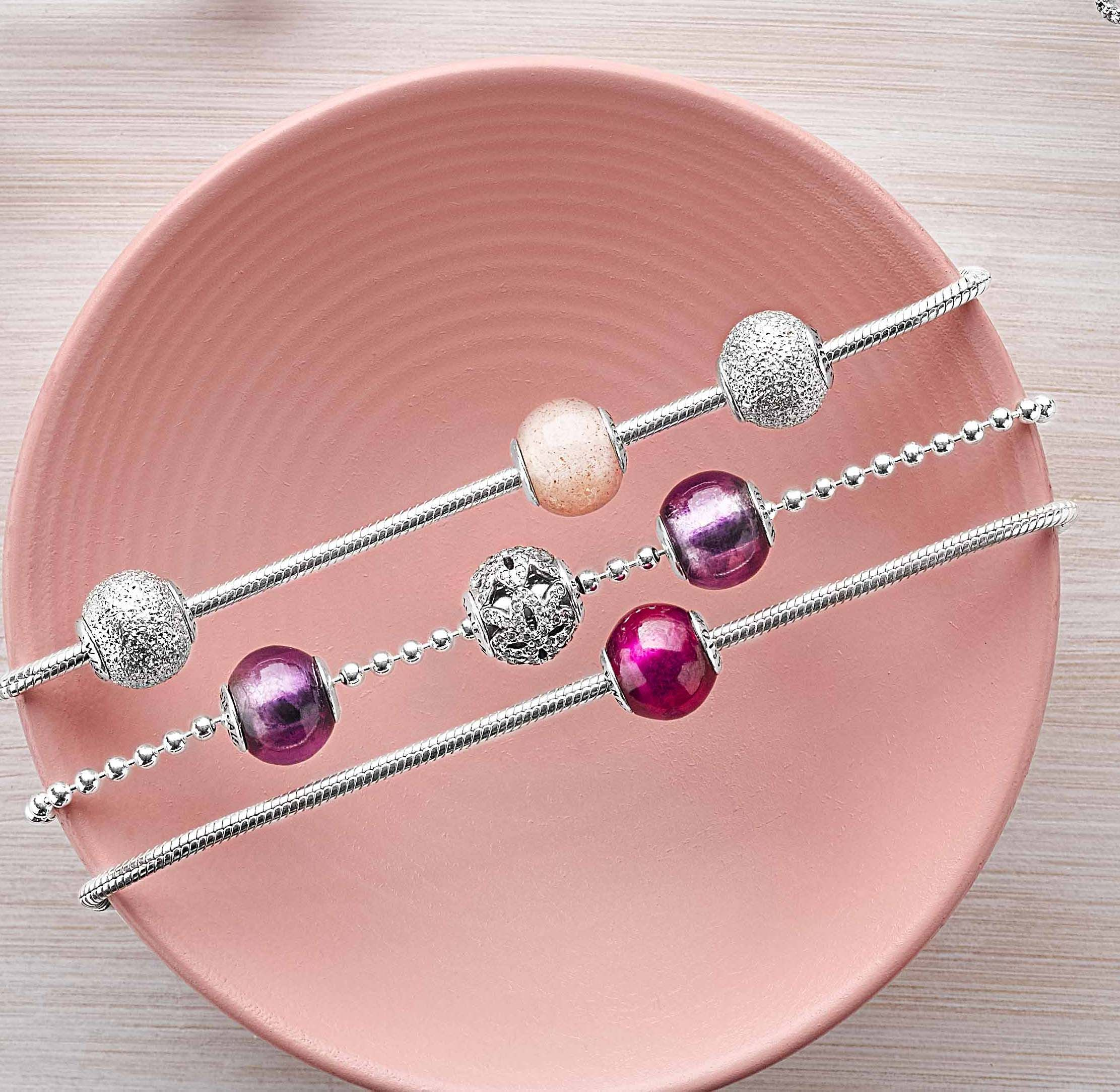 Pandora Jewelry Online Retailers: Having A Hard Time Adding Color To Your Outfit? Add Some