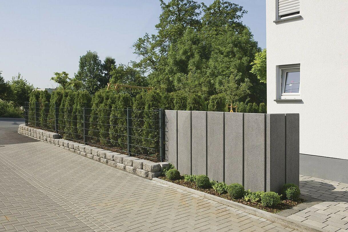 Stelen Rinn Betonsteine Und Natursteine Betonblock Garten Gartengestaltung Garten