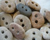 Love these beach stone buttons!