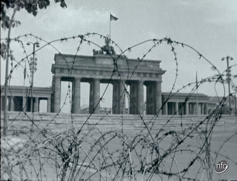 the troubled history of the berlin wall berlin wall on berlin wall id=45743