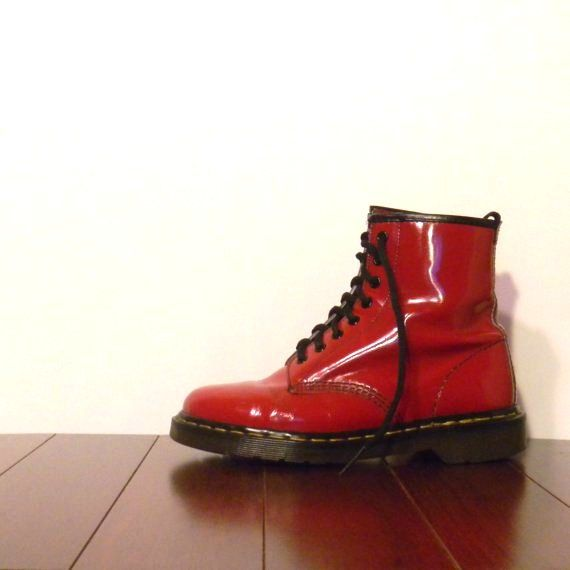 Red Doc Marten Boots Womens 8 Mens 6 in Patent Leather 8 Eye | Doc ...