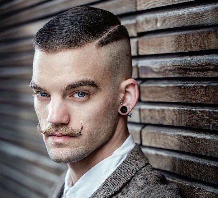 Coupe Hipster Le Style Pompadour Et Autres Tendances En 50 Idees Archzine Fr Styles De Moustache Coupes De Cheveux Branchees Cheveux Masculins